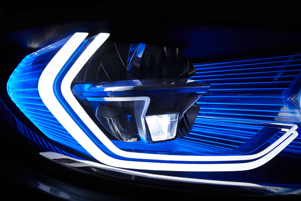BMW M4 Concept – Iconic Lights 1