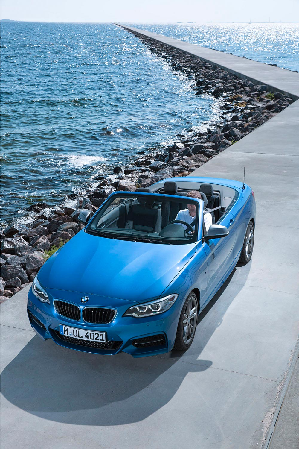 The new BMW 2 Series Convertible M235i 7