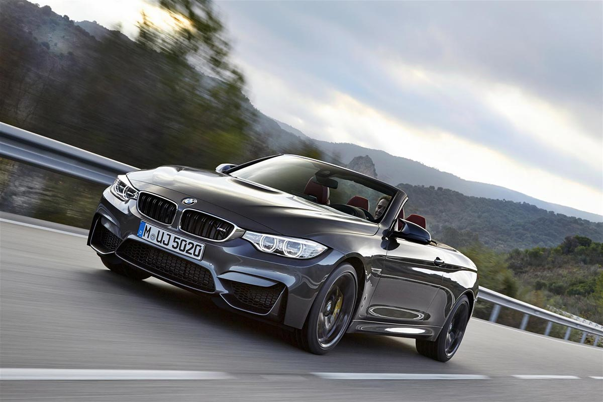 BMW enthüllt das neue M4 Cabrio 1