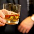 Balls Of Steel: 18K Goldene Whiskey-Kugeln