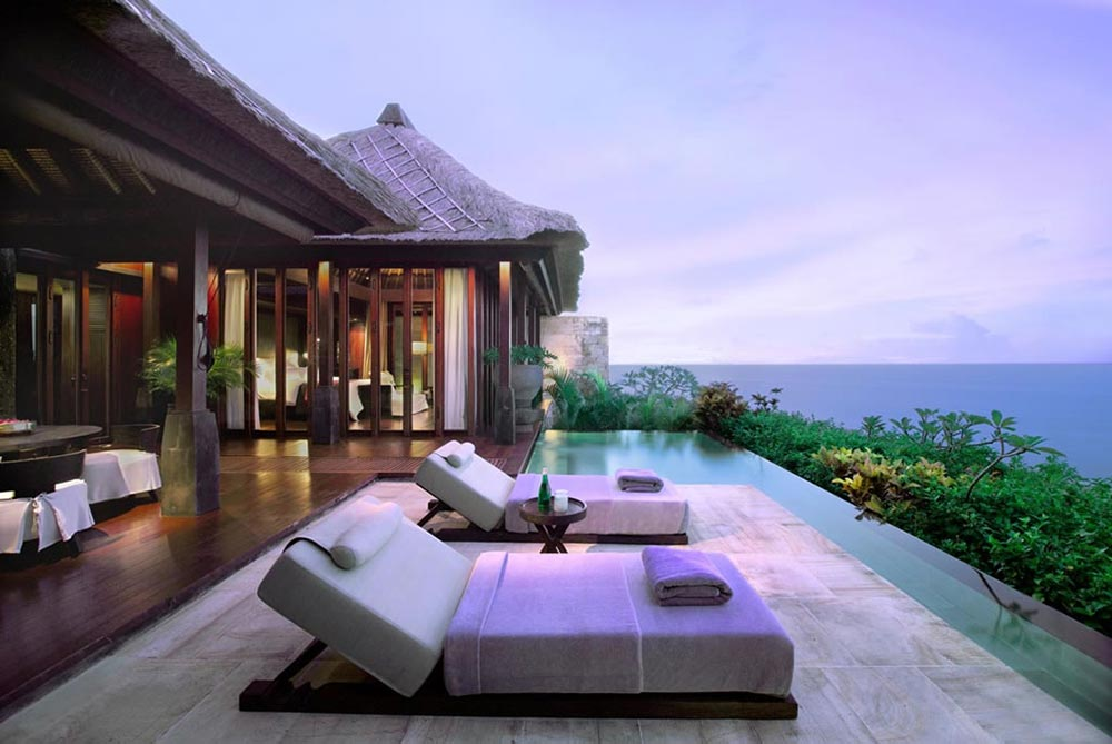 The breathtaking ocean cliff villa at the bulgari resort bali for Hotel di bali indonesia