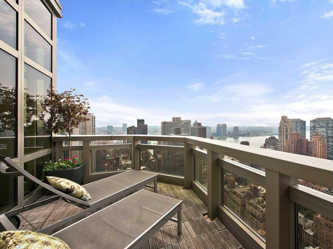 wolf of wall street penthouse steht f r 6 5 millionen. Black Bedroom Furniture Sets. Home Design Ideas