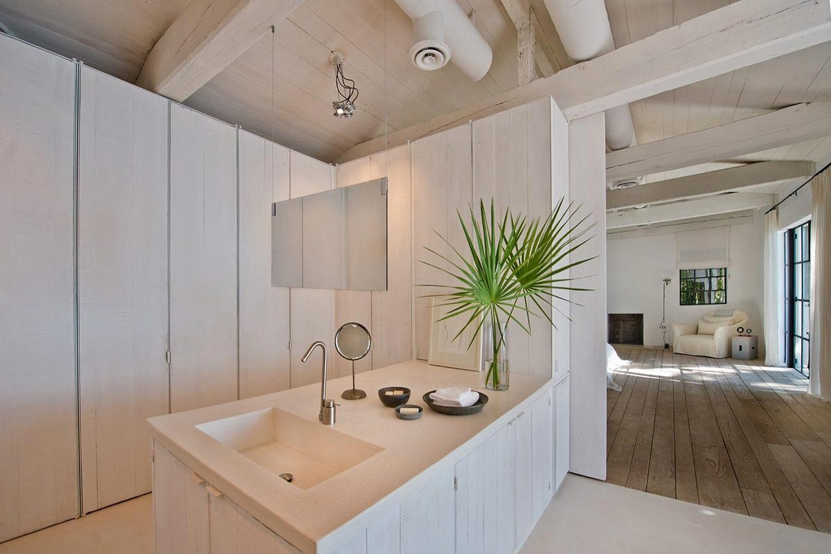 Calvin Klein sells Miami Beach Home 9