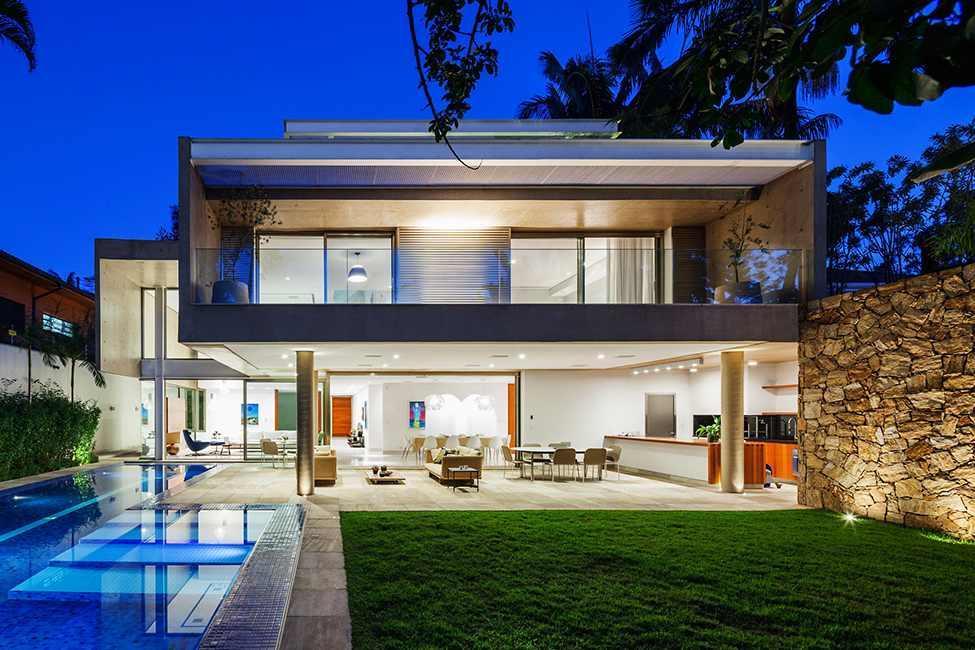 Die moderne MG Residence von Reinach Mendonça Arquitetos Associados 12
