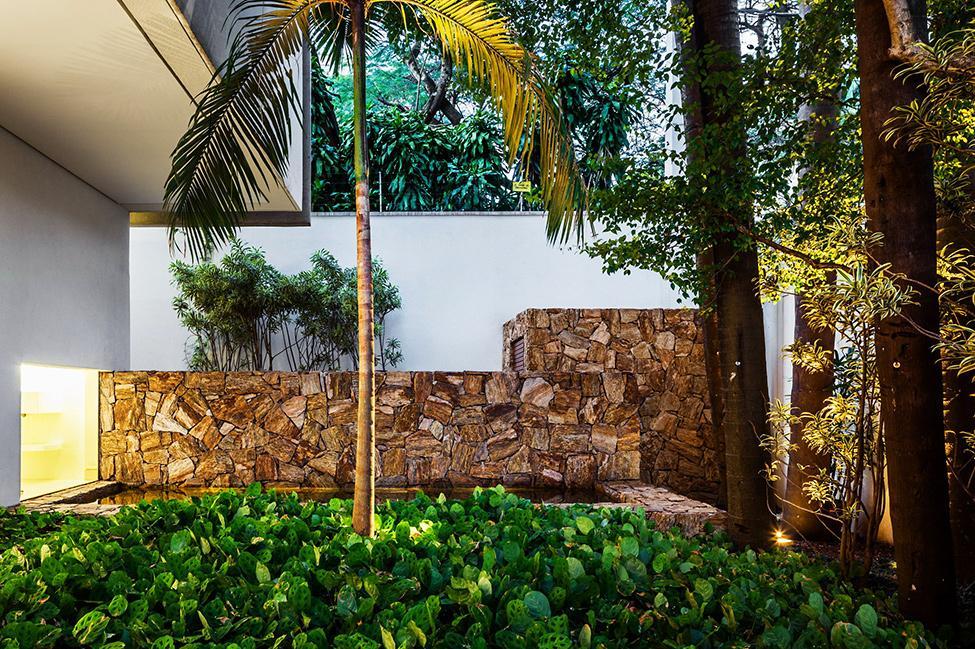 Die moderne MG Residence von Reinach Mendonça Arquitetos Associados 10