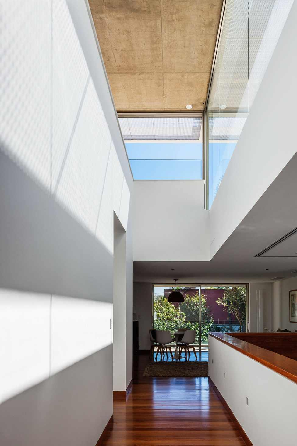 Die moderne MG Residence von Reinach Mendonça Arquitetos Associados 7