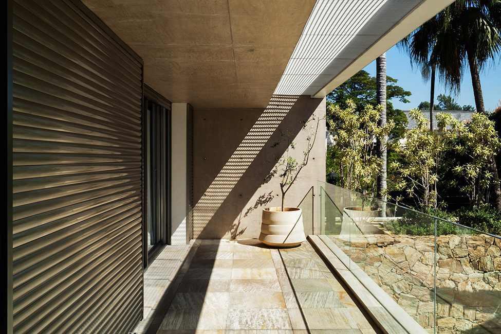 Die moderne MG Residence von Reinach Mendonça Arquitetos Associados 5