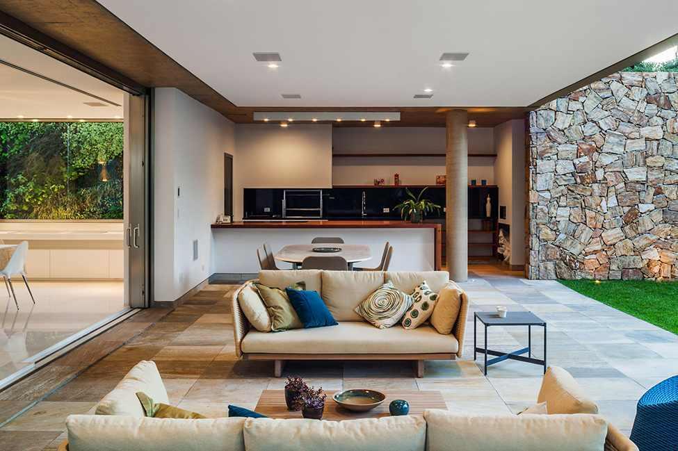 Die moderne MG Residence von Reinach Mendonça Arquitetos Associados 2