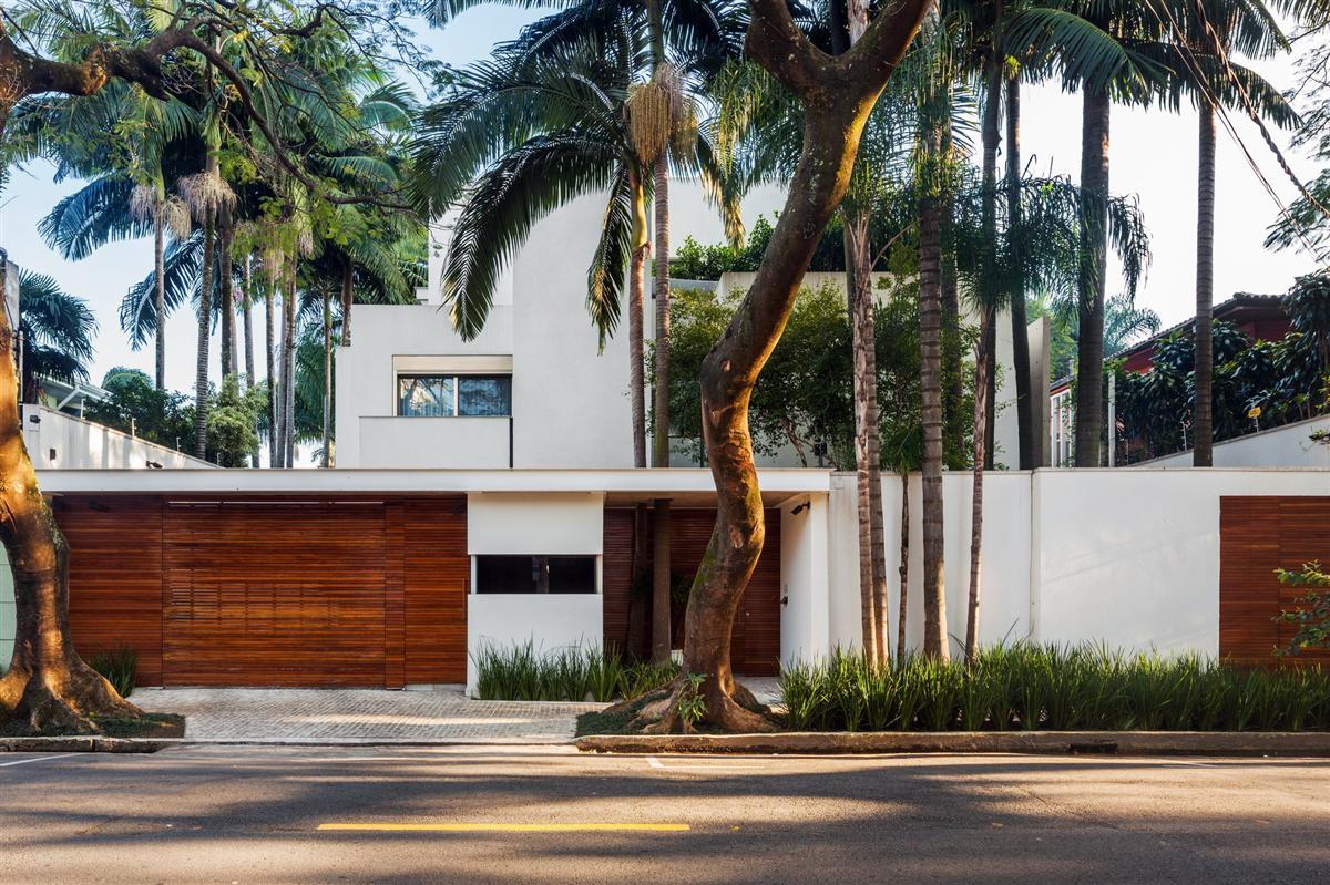 Die moderne MG Residence von Reinach Mendonça Arquitetos Associados 1