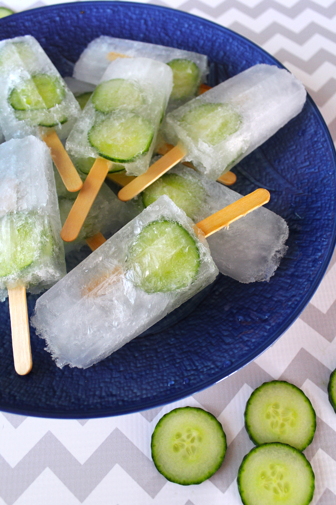 Cucumber-Gin-&-Tonic-Popsicles-01