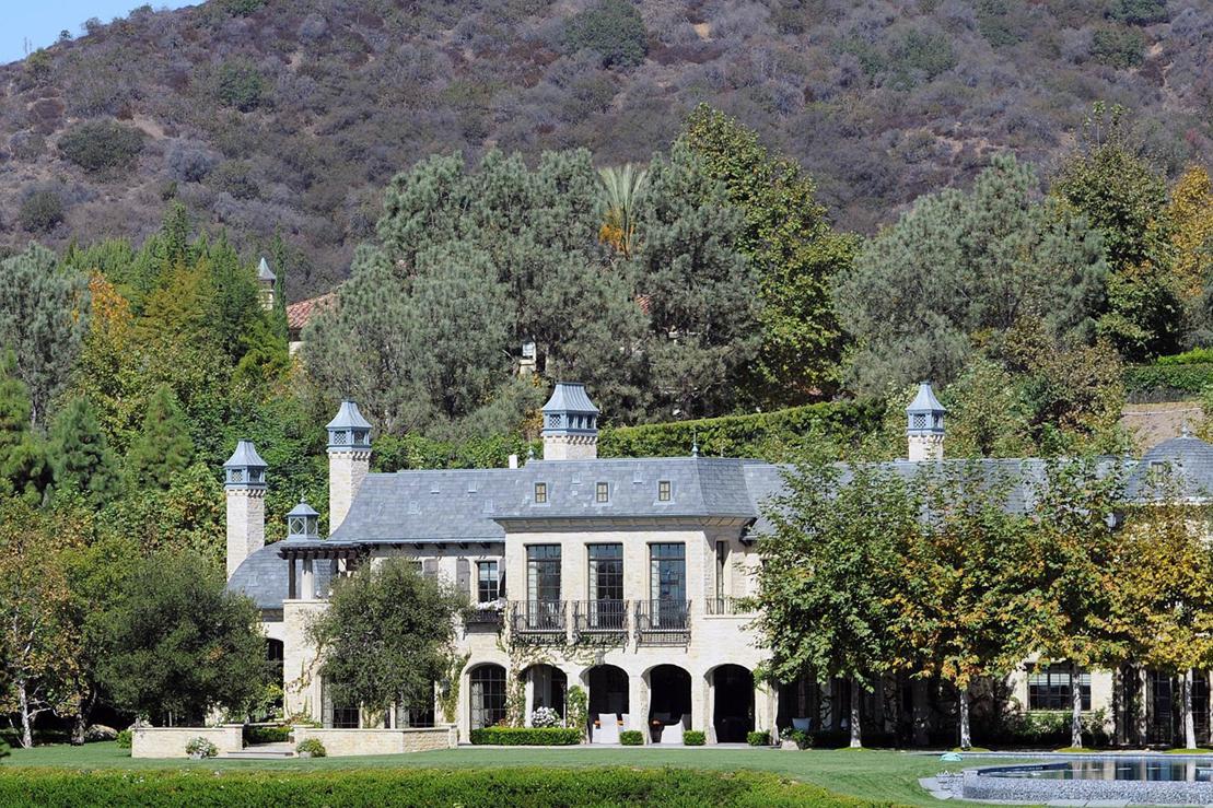 dr dre will gisele bundchens and tom bradys 50 millonen villa kaufen. Black Bedroom Furniture Sets. Home Design Ideas