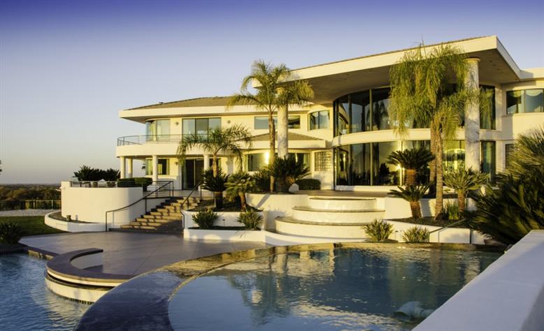 Eddie Murphy' verkauft sein Anwesen für $12 Millionen Dollar 2
