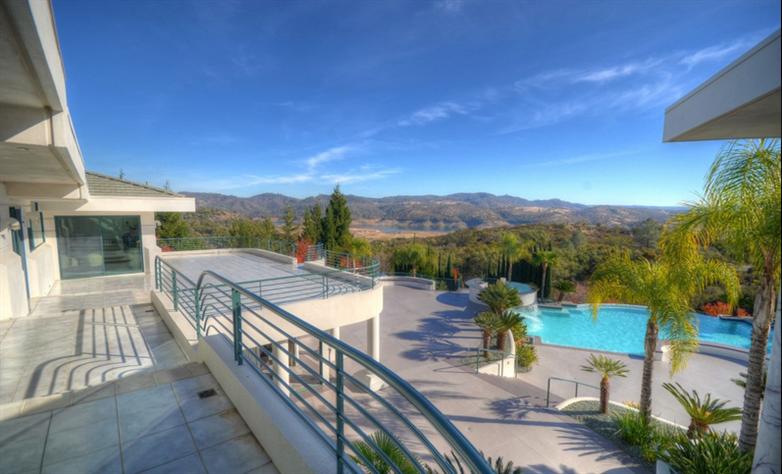 Eddie Murphy' verkauft sein Anwesen für $12 Millionen Dollar 3