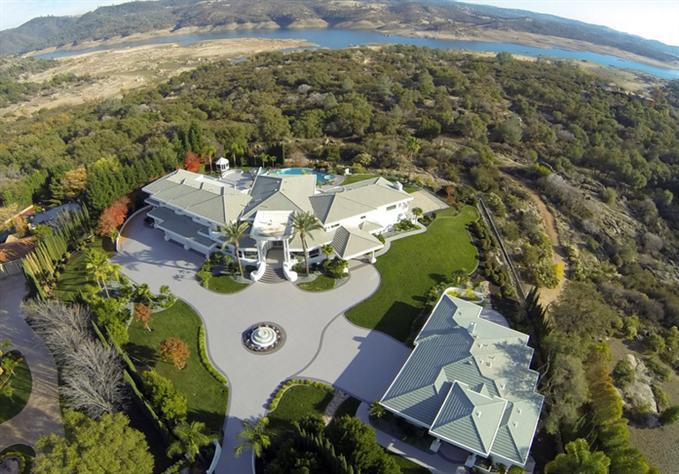 Eddie Murphy' verkauft sein Anwesen für $12 Millionen Dollar 5