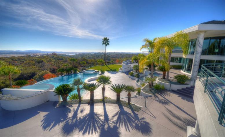 Eddie Murphy' verkauft sein Anwesen für $12 Millionen Dollar 11