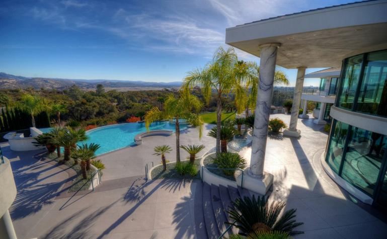 Eddie Murphy' verkauft sein Anwesen für $12 Millionen Dollar 14