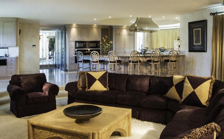 Eddie Murphy' verkauft sein Anwesen für $12 Millionen Dollar 22