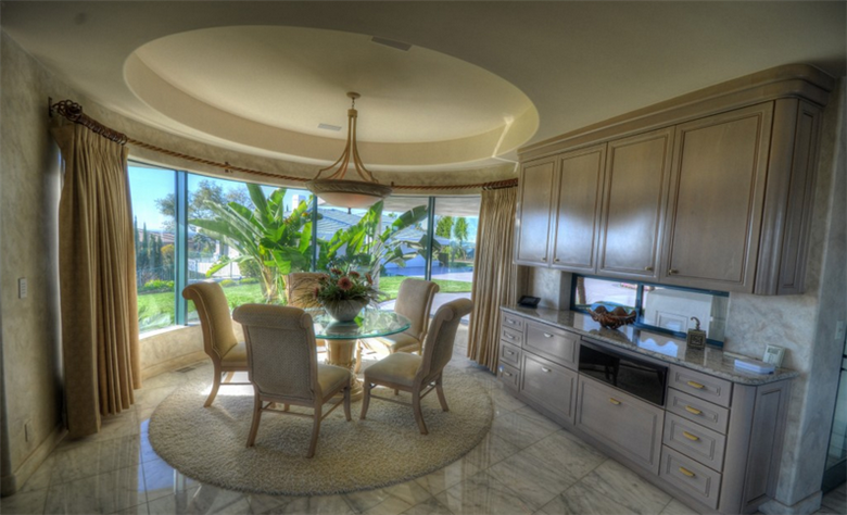 Eddie Murphy' verkauft sein Anwesen für $12 Millionen Dollar 23