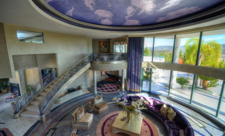 Eddie Murphy' verkauft sein Anwesen für $12 Millionen Dollar 26