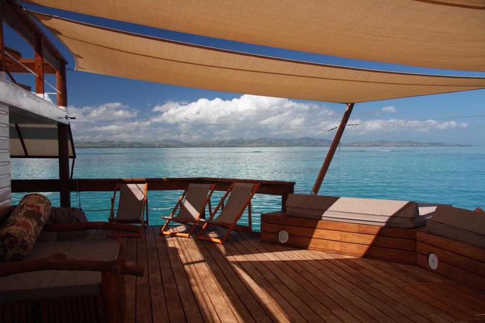 Floating-Bar-Cloud-9-Fiji-08