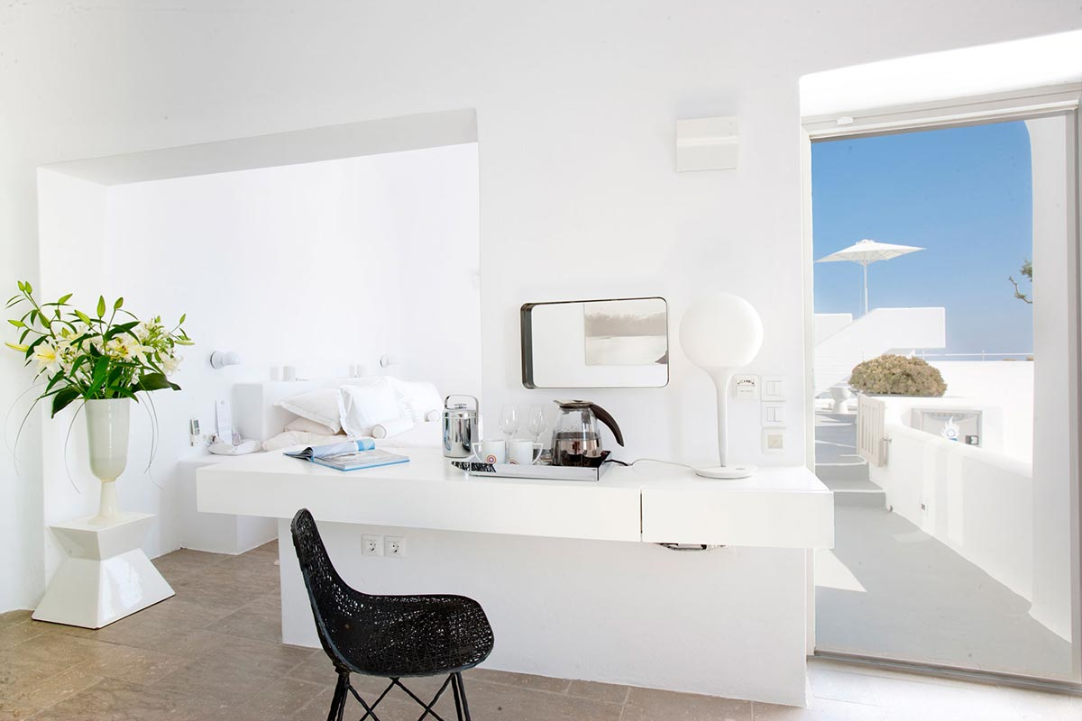 Exclusive boutique hotel grace in santorini greece mr for Grasse boutique hotel