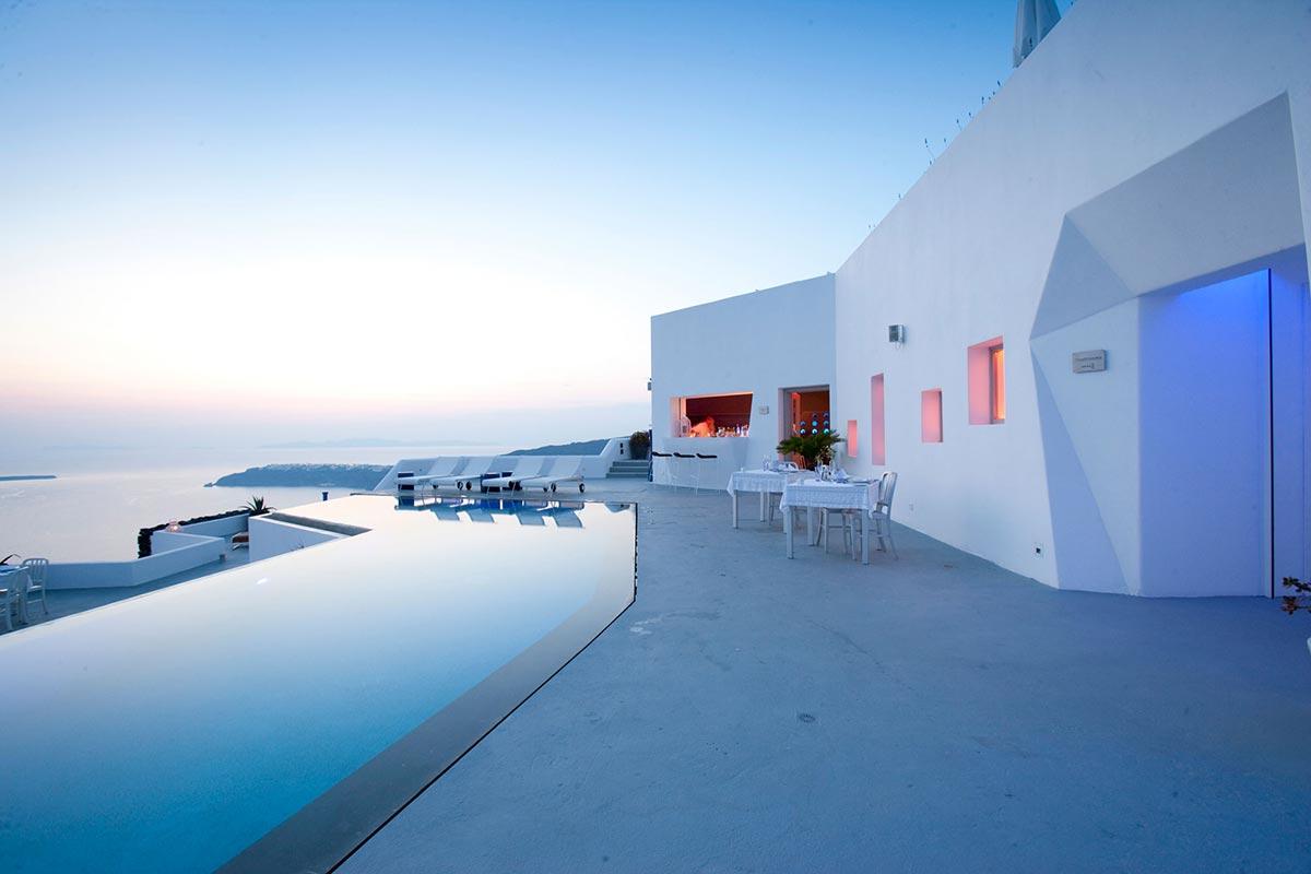 Exklusives Boutique Hotel: Grace in Santorini, Greece 11