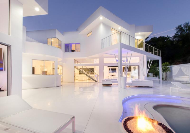 Inside Akon's Heaven Estate in California 15