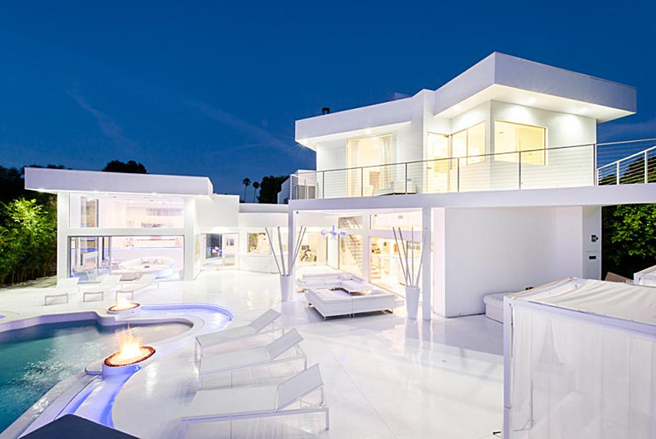 Inside Akon's Heaven Estate in California 1