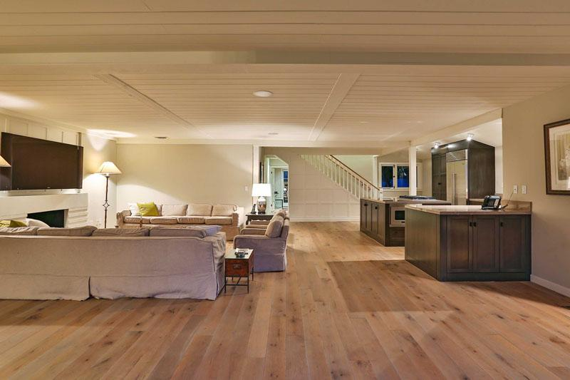 Inside Leonardo DiCaprio's $17.35 Million Malibu Beach House 12