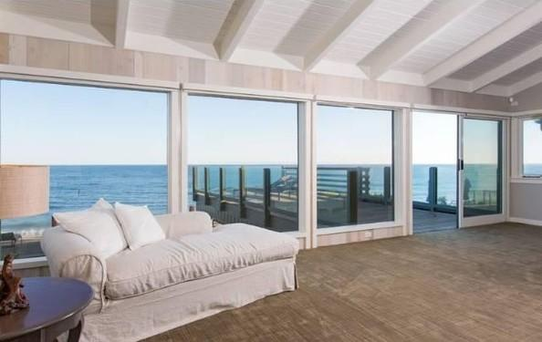 Inside Leonardo DiCaprio's $17.35 Million Malibu Beach House 13