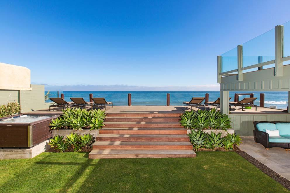 Inside Leonardo DiCaprio's $17.35 Million Malibu Beach House 18
