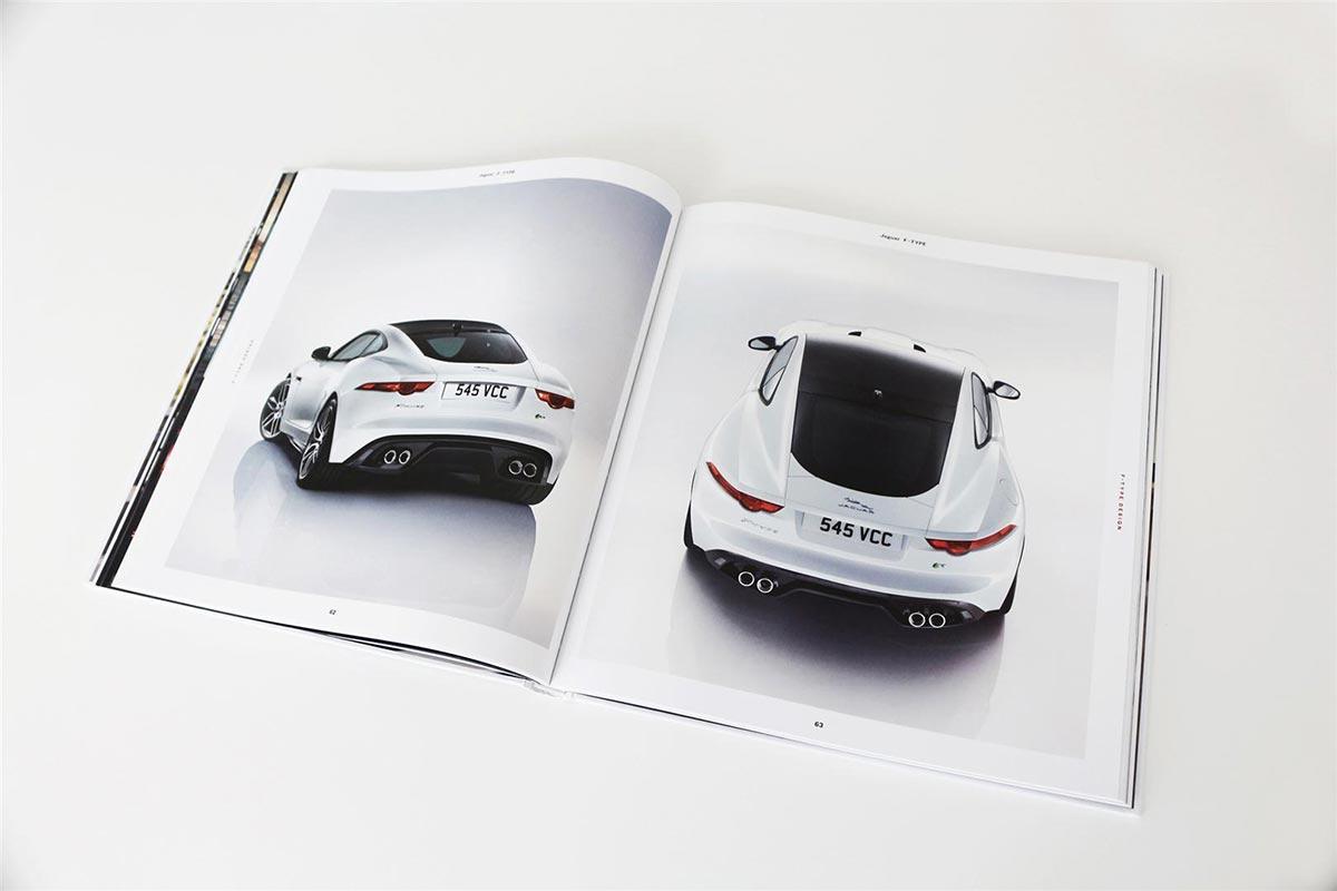 Gewinne ein exklusives Jaguar F-Type Buch 1