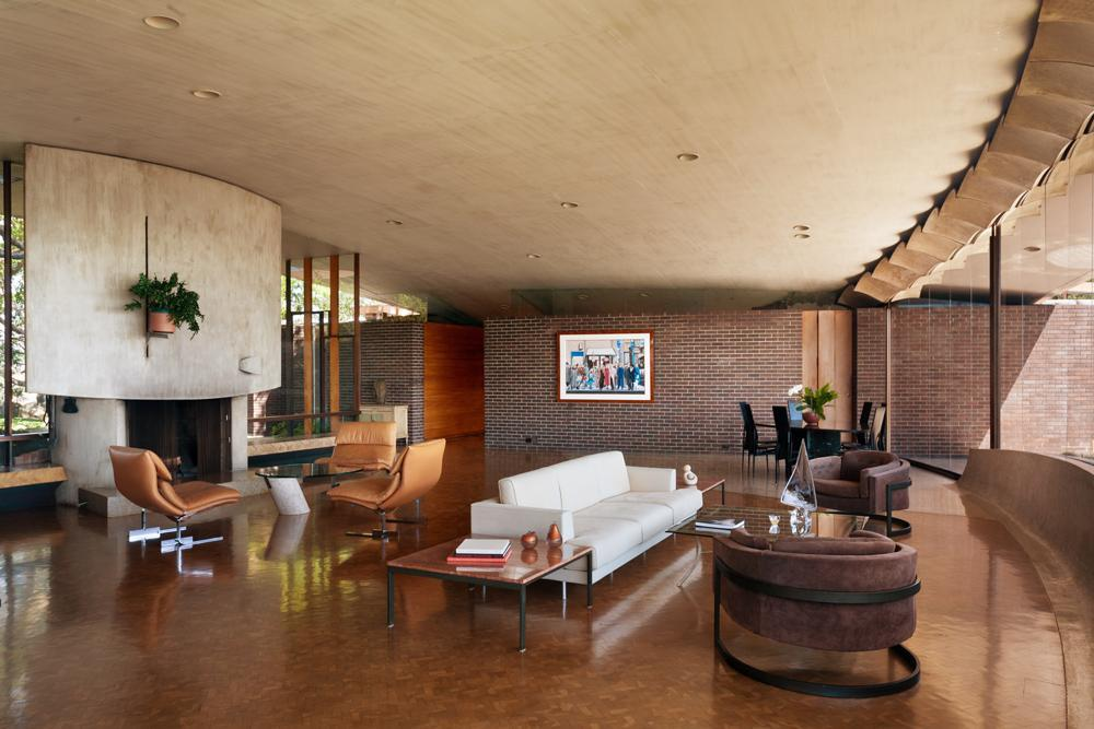 L.A. Silvertop House Designed by John Lautner for Sale 12