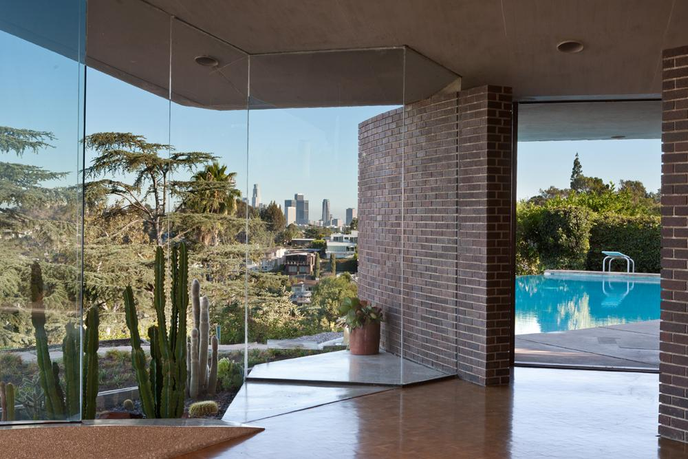L.A. Silvertop House Designed by John Lautner for Sale 13