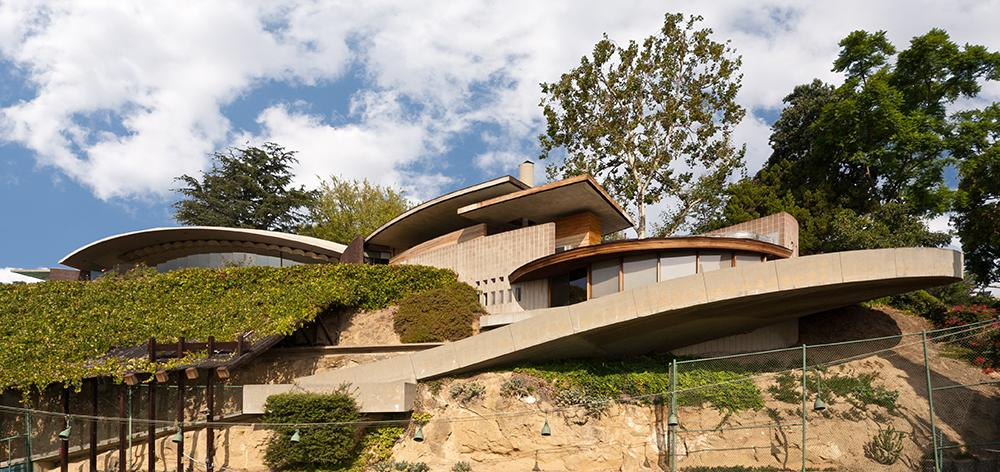 L.A. Silvertop House Designed by John Lautner for Sale 15