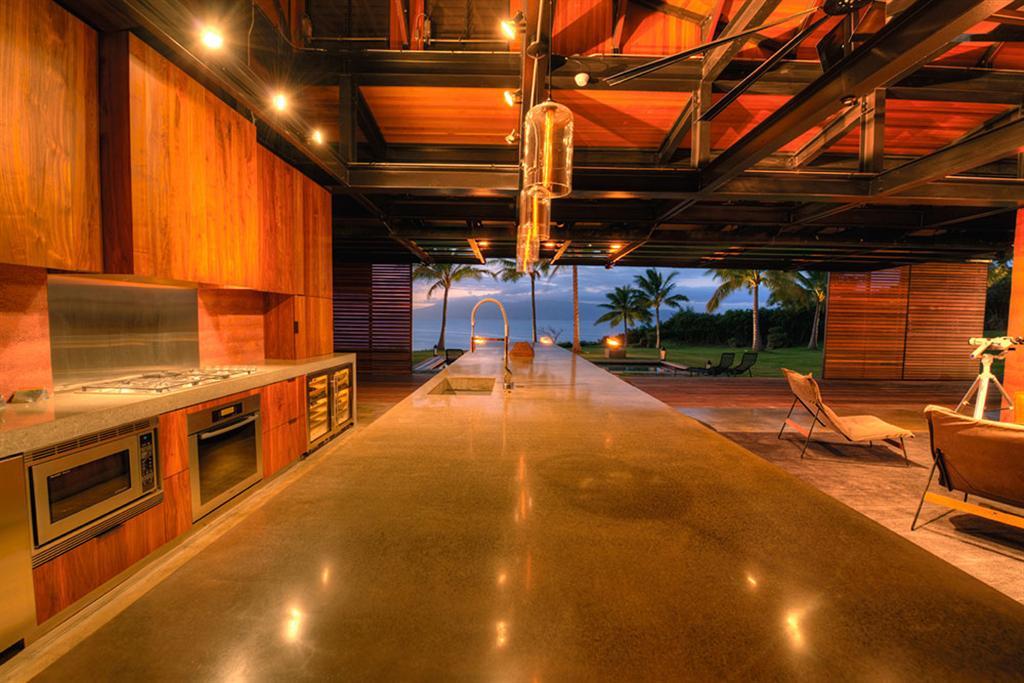 Peter Lik sells Honolua Bay Estate 'AURA' 5