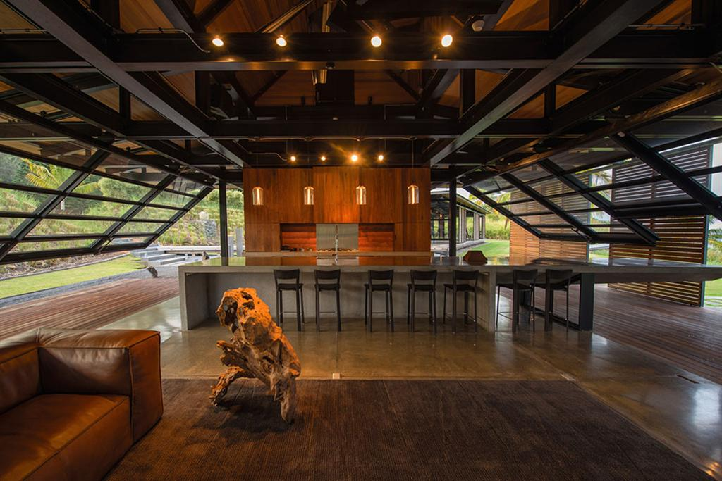 Peter Lik sells Honolua Bay Estate 'AURA' 6