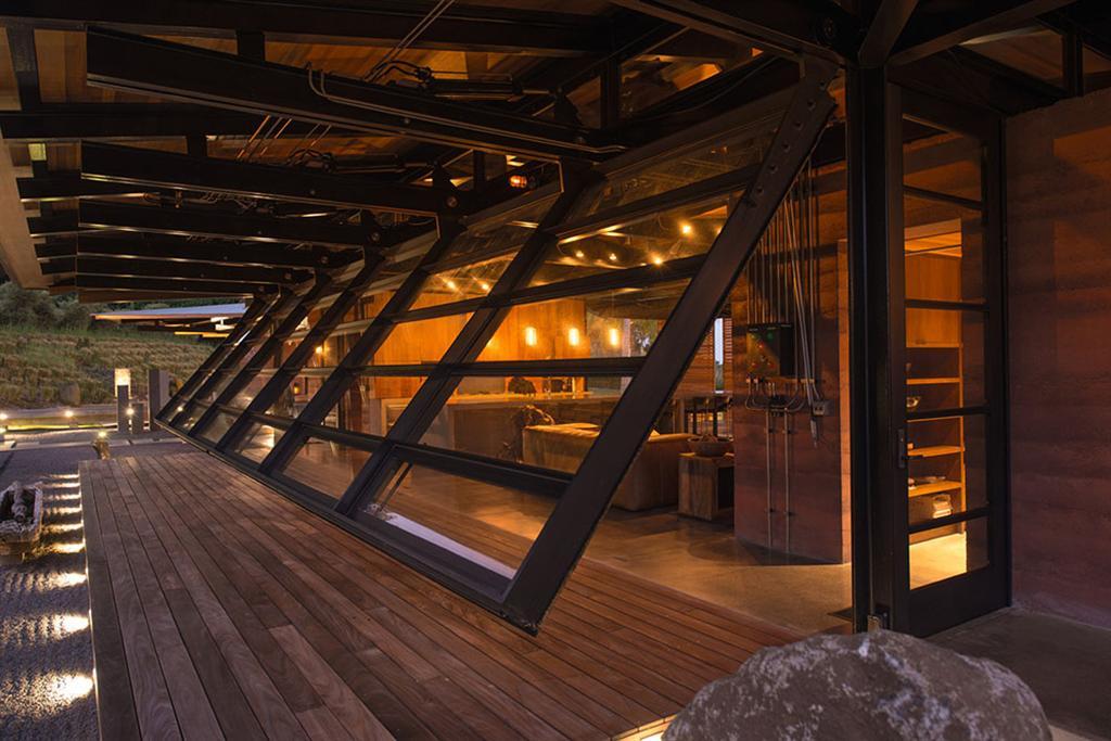 Peter Lik sells Honolua Bay Estate 'AURA' 10