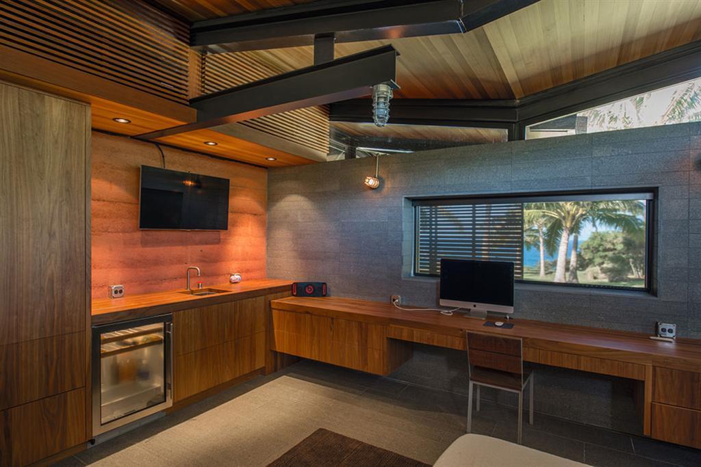 Peter Lik sells Honolua Bay Estate 'AURA' 15