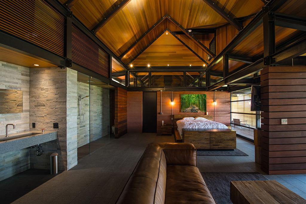 Peter Lik sells Honolua Bay Estate 'AURA' 18