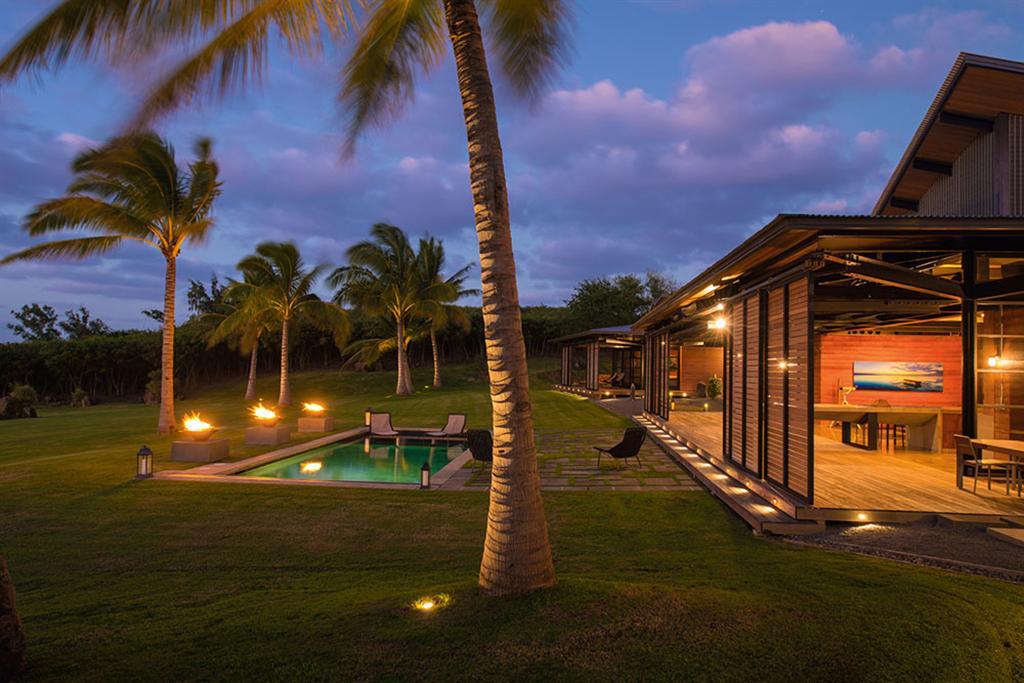Peter Lik sells Honolua Bay Estate 'AURA' 21
