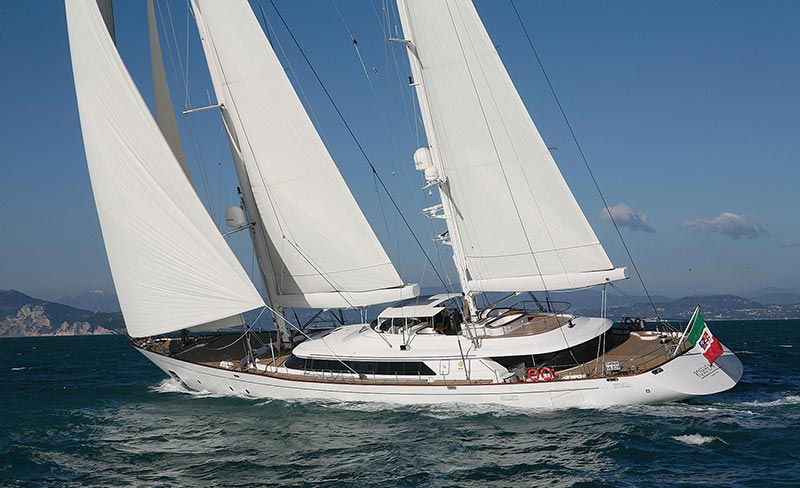 Rupert Murdoch Sells His Sailing Superyacht for $29.7M 1