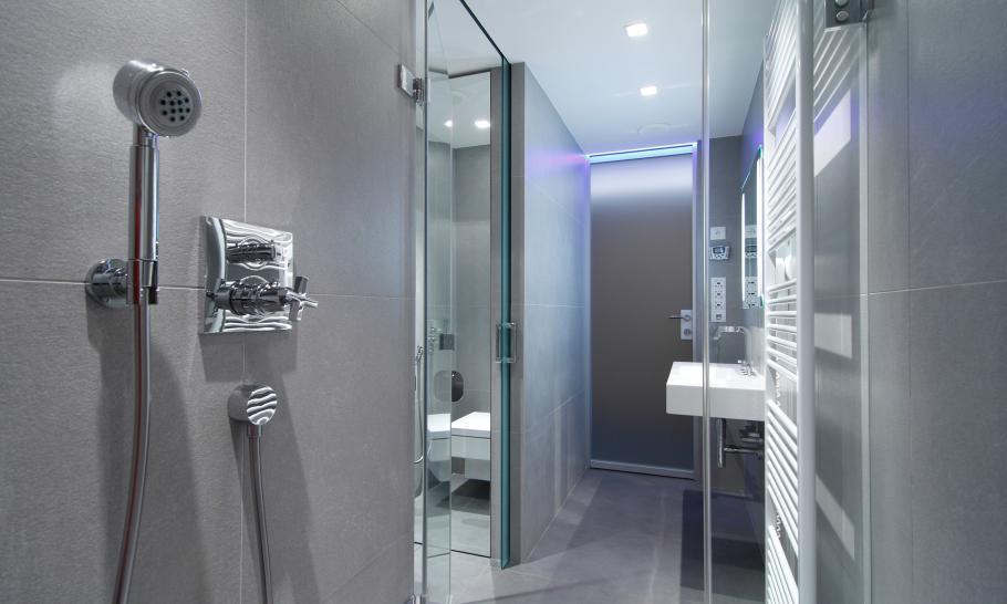 ein innovatives apartment mit led technik mr goodlife. Black Bedroom Furniture Sets. Home Design Ideas