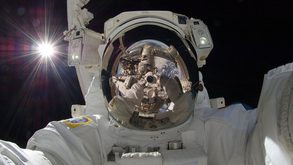 The-20-Most-Amazing-Selfies-19