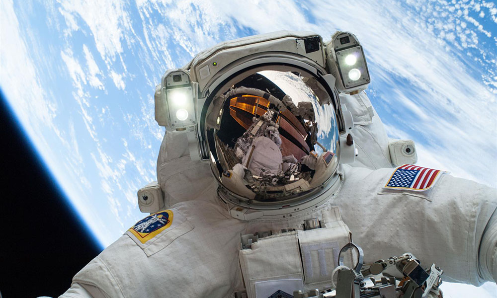 The 20 Most Amazing Selfies
