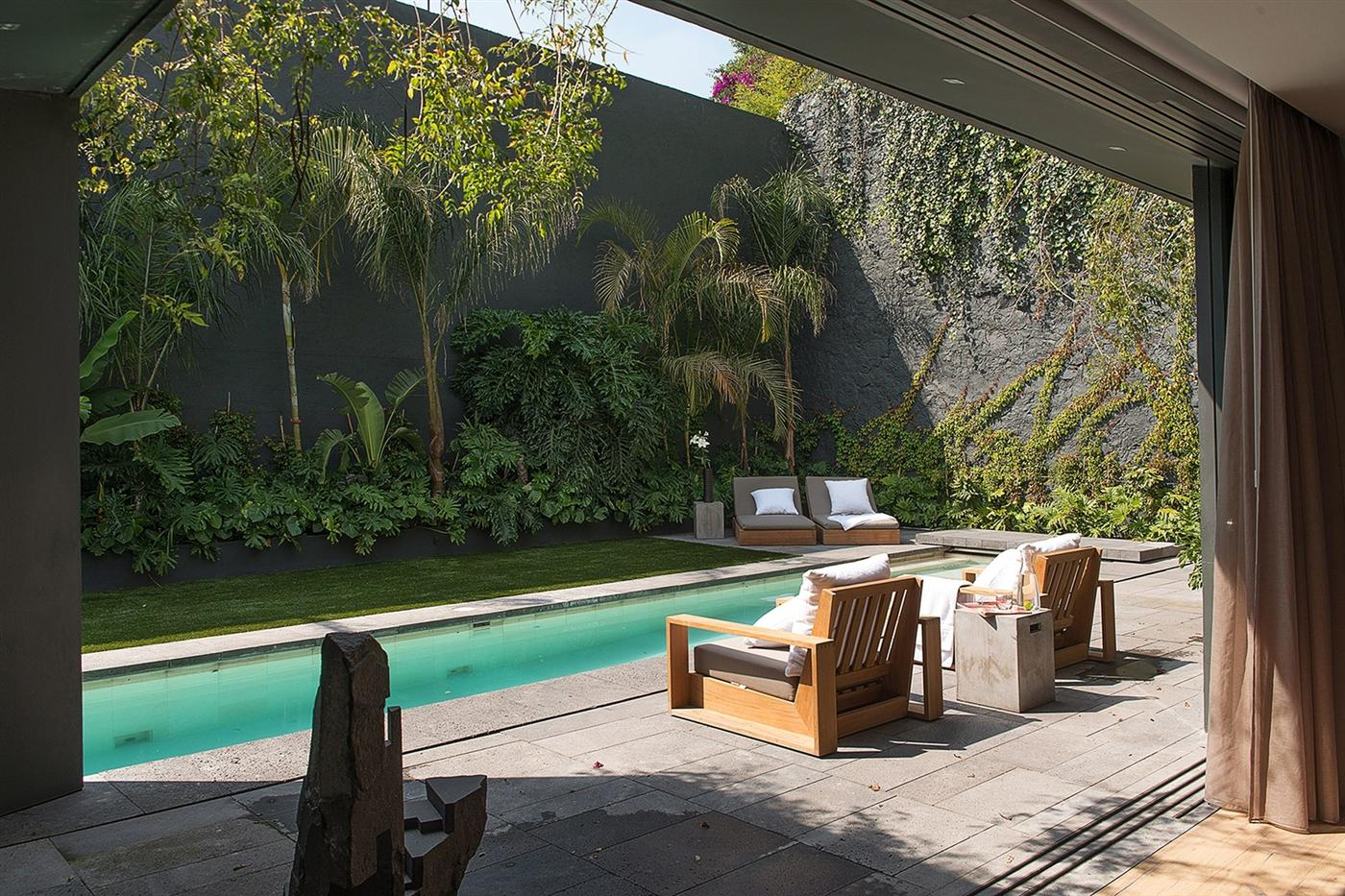 The Barranca House in Mexico City 6