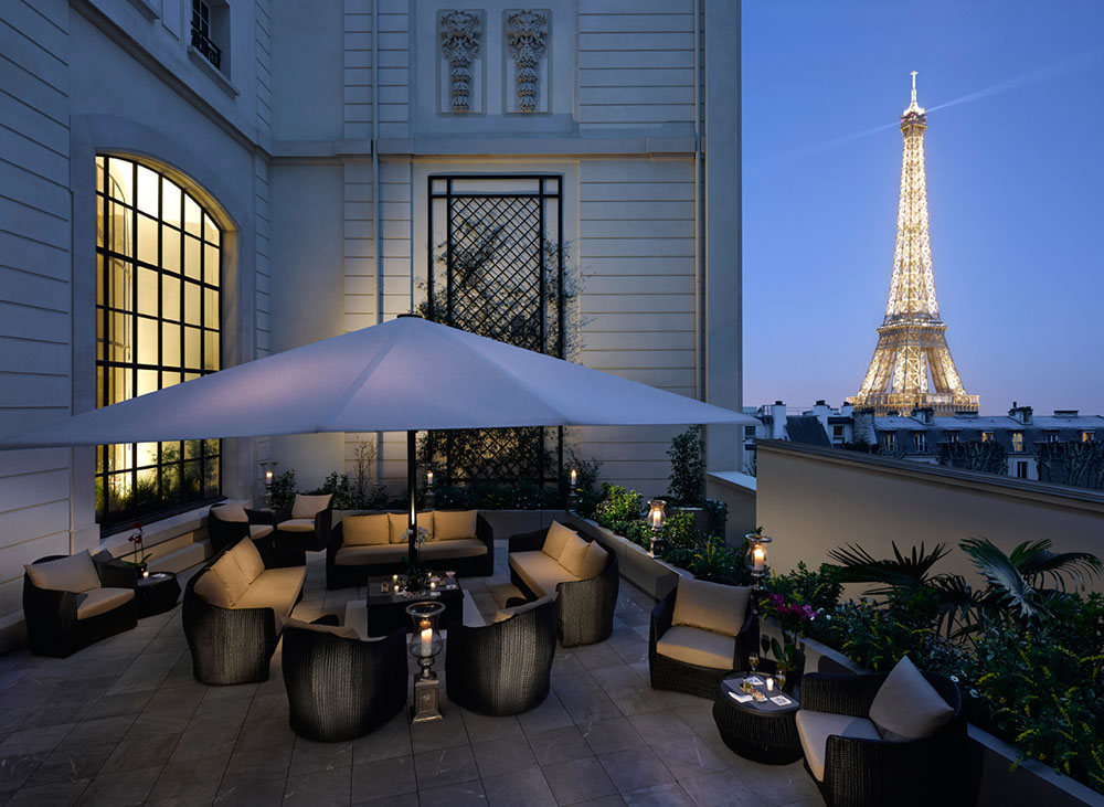 the rooftop terrace at the shangri la hotel paris mr goodlife. Black Bedroom Furniture Sets. Home Design Ideas