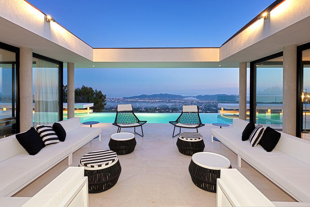 Modernste villa der welt innen  Beeidruckende Villa in San Jose, Ibiza   MR.GOODLIFE