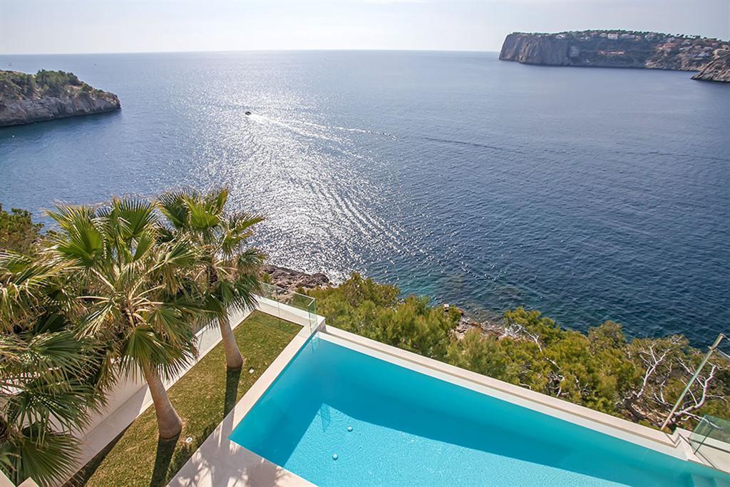Beautiful Villa in Cala Llamp, Mallorca 4
