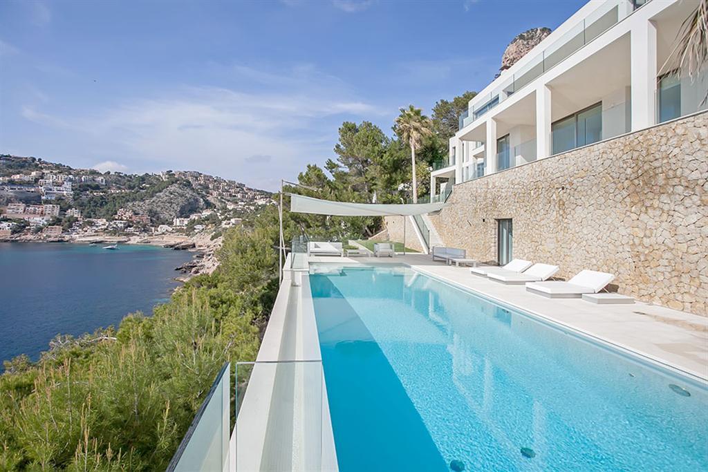 Beautiful Villa in Cala Llamp, Mallorca 10